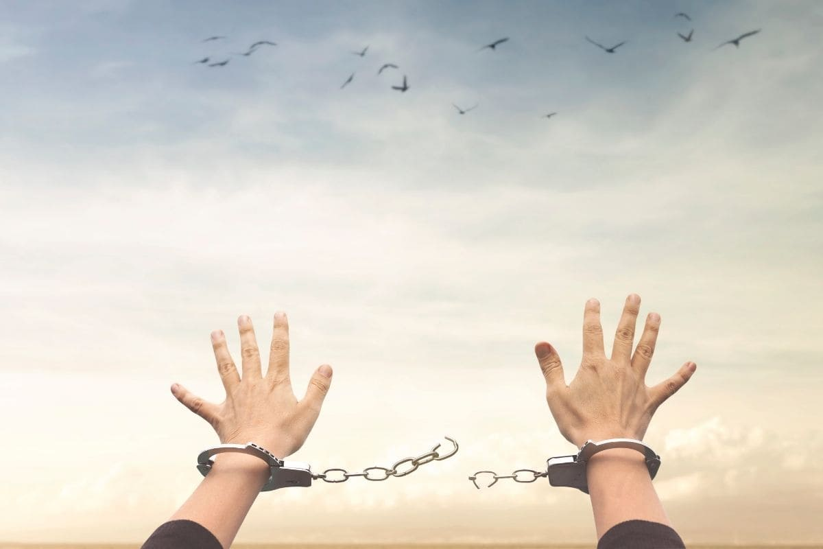 【結論】ハイローオーストラリアで取引しても逮捕されません