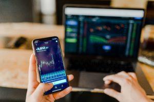 バイナリーをスマホアプリで簡単取引する方法【iphone・アンドロイド】