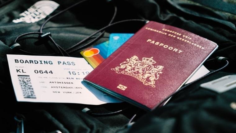 ハイローオーストラリアの学生証以外の身分証明書